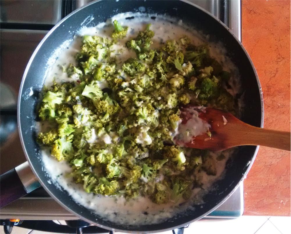 Przepis na kuskus z brokułem i parmezanem