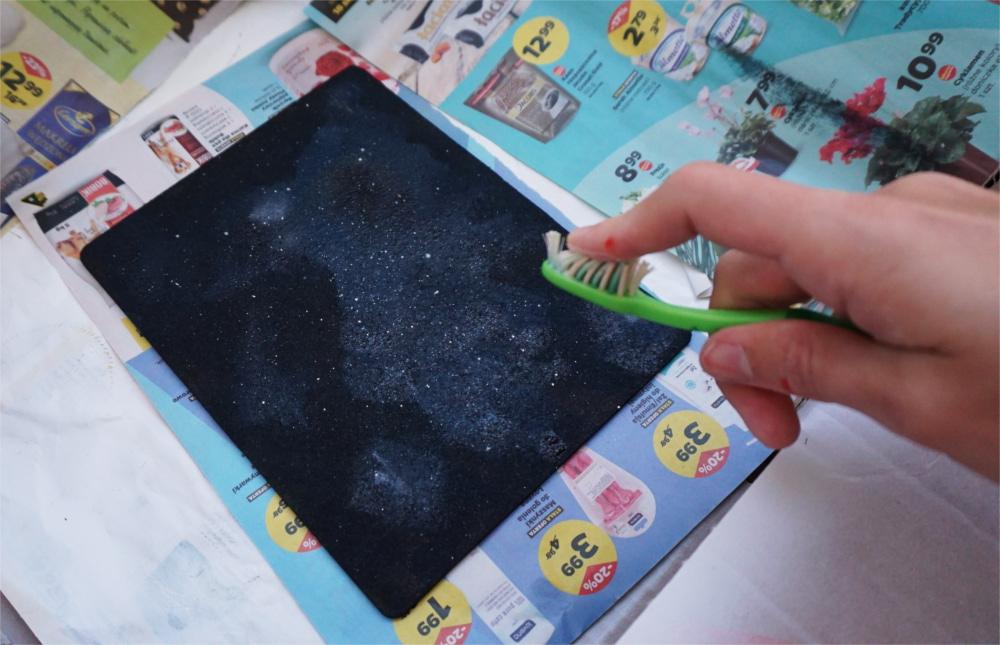 DIY Korkowa podkładka pod myszkę z motywem galaxy
