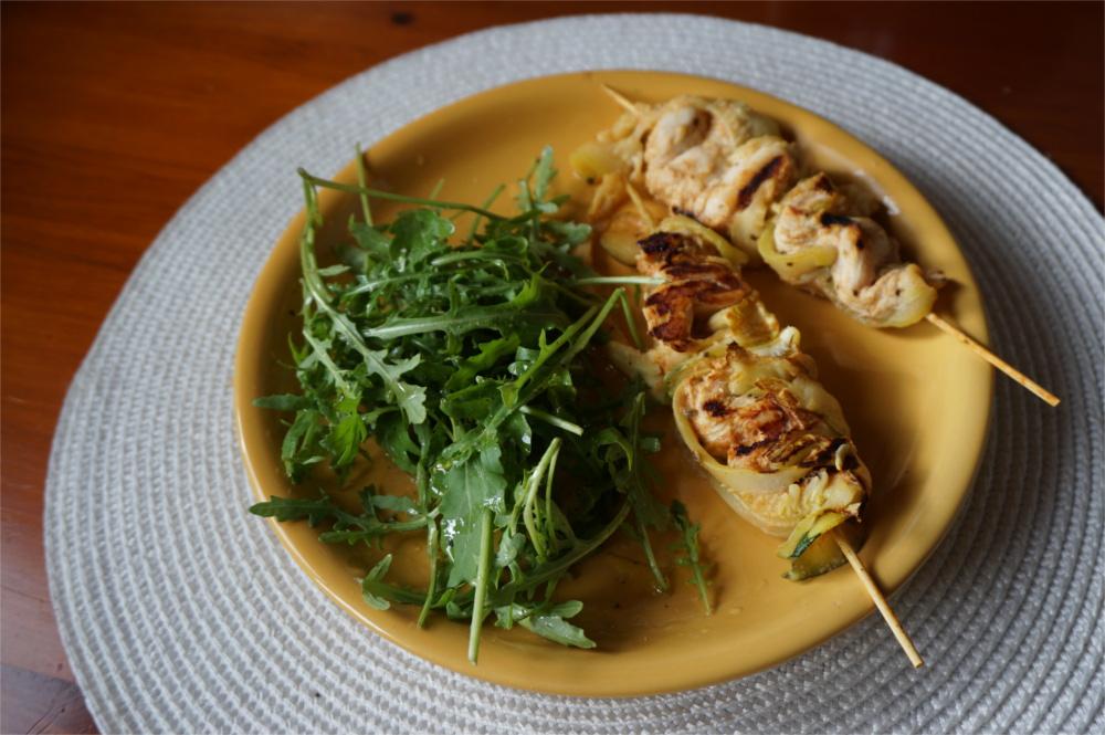 Przepis Grillowane szaszłyki z kurczakiem i cukinią