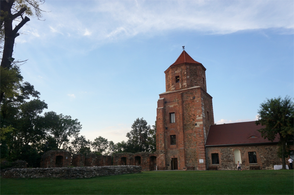 Blabla 10 - Trampoliny w Jumpcity, pałac w Pławniowicach, zamek w Toszku i opolskie zoo