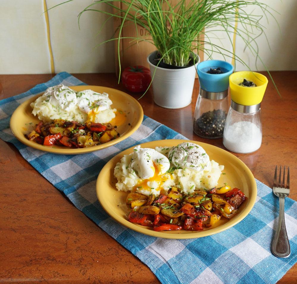 Przepis na jajka w koszulkach z puree ziemniaczanym i papryką