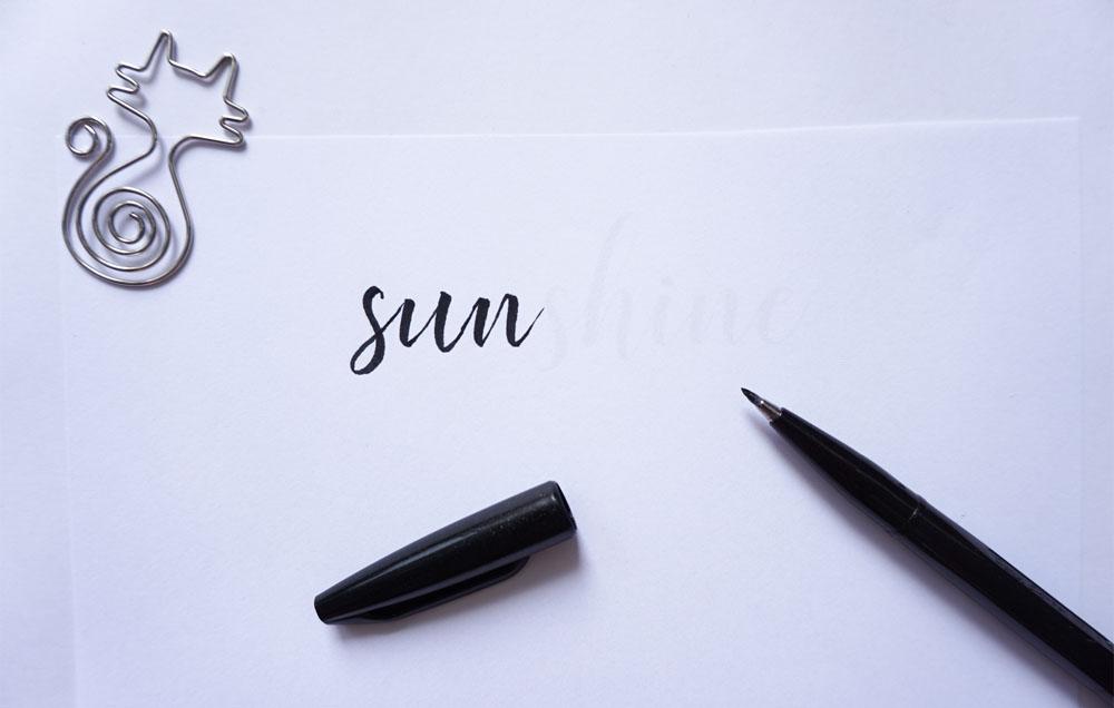 Jak robić piękne napisy? Hand lettering i oszukana kaligrafia