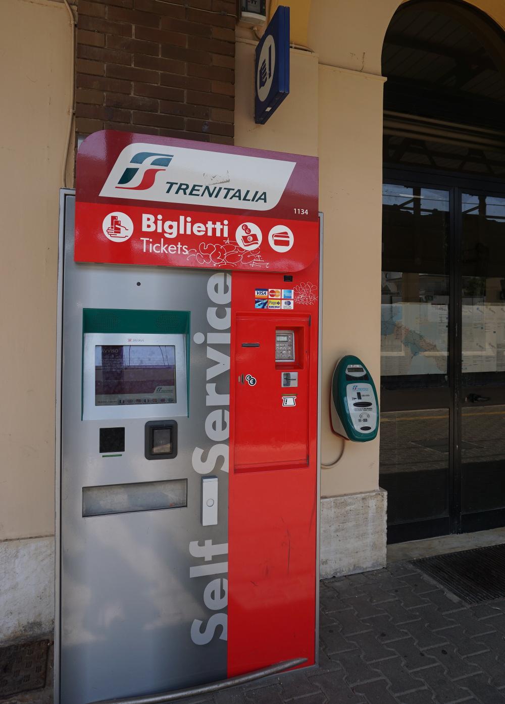 Jak podróżować pociągiem po Apulii