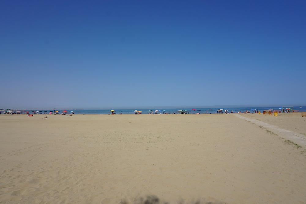 Zwiedzanie Apulii - plaża w Barleccie