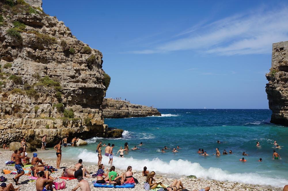 Zwiedzanie Apulii - co warto zobaczyć - Plaża Lama Monachile Cala Porto