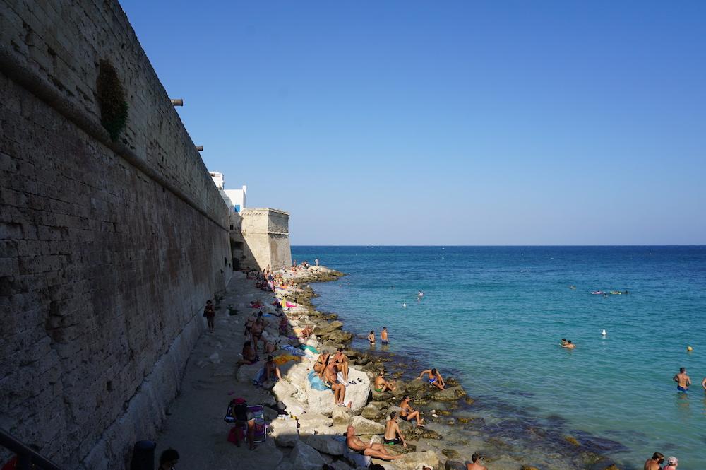 Zwiedzanie Apulii - wakacje w Apulii - plaża w Monopoli