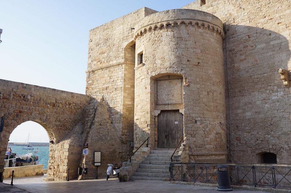 Zwiedzanie Apulii - co warto zobaczyć - Monopoli