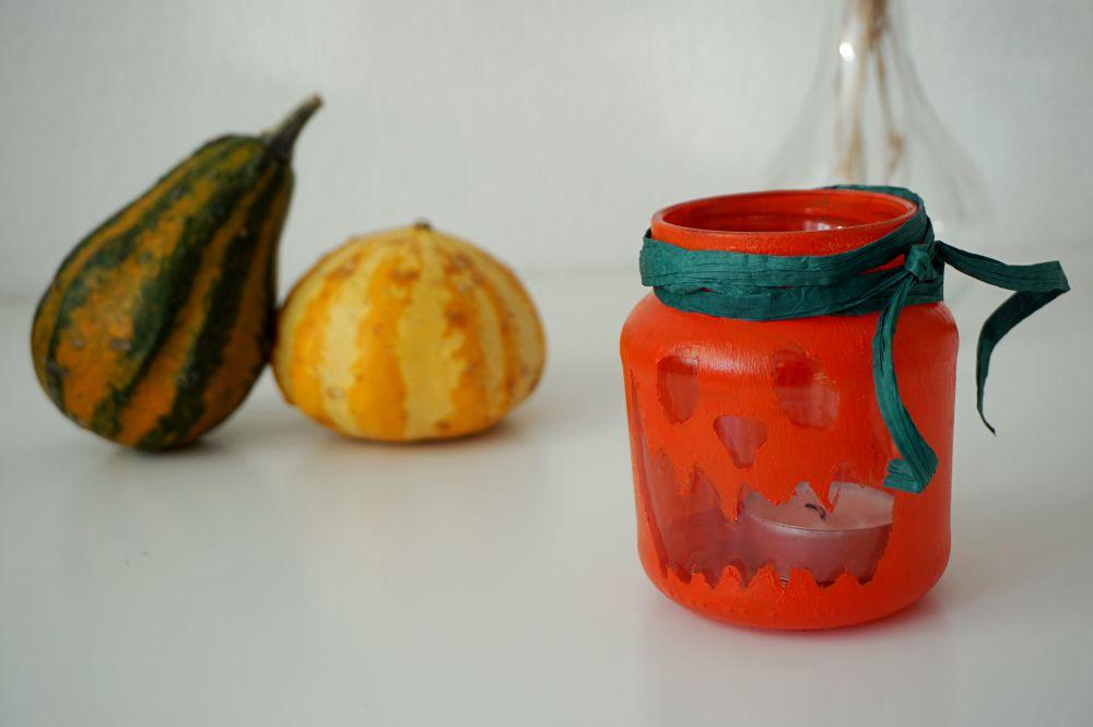 DIY Proste jesienne świeczniki - dynia na Halloween