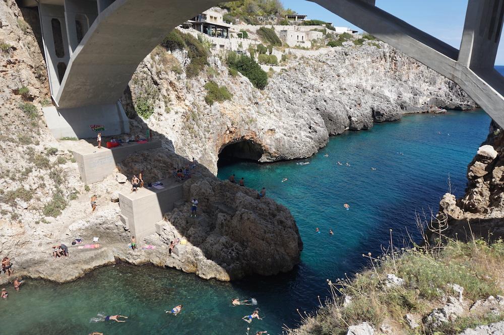 Plaże Apulii - Puglia co robić - Ponte Ciolo