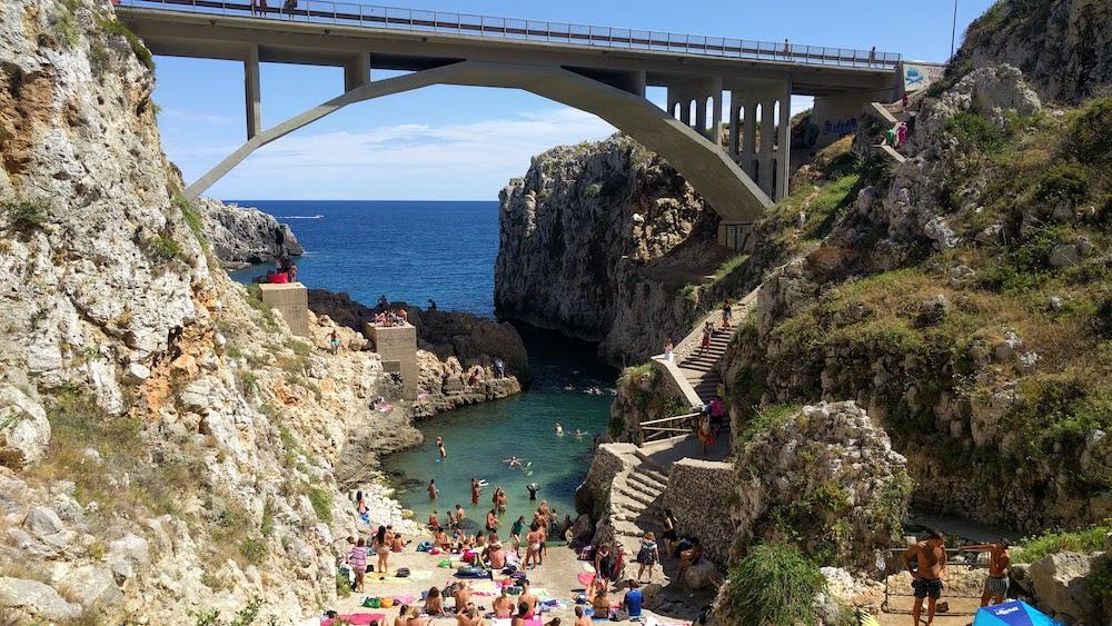 Plaże Apulii - Puglia co zobaczyć Ponte Ciolo