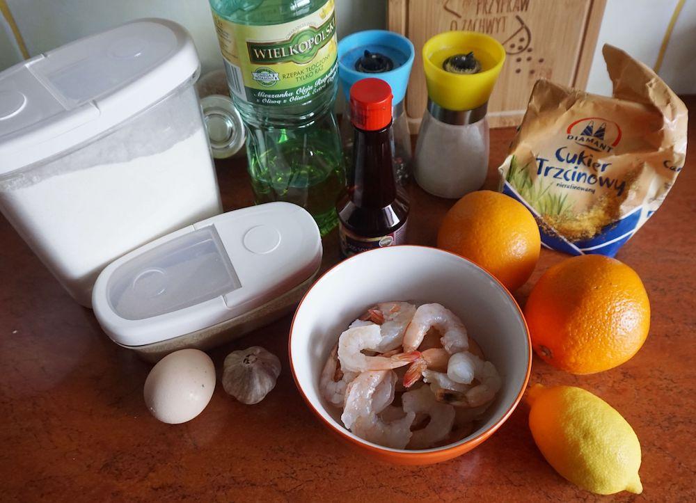 Przepis na krewetkowe kulki z egzotyczną sałatką z pomarańczy