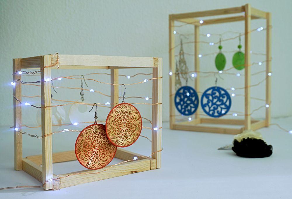 DIY Geometryczny organizer na kolczyki - stojak na biżuterię