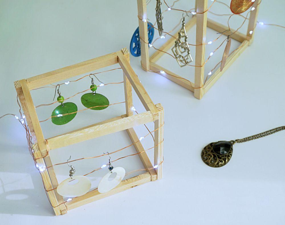 DIY Geometryczny organizer na kolczyki - stojak na długie kolczyki