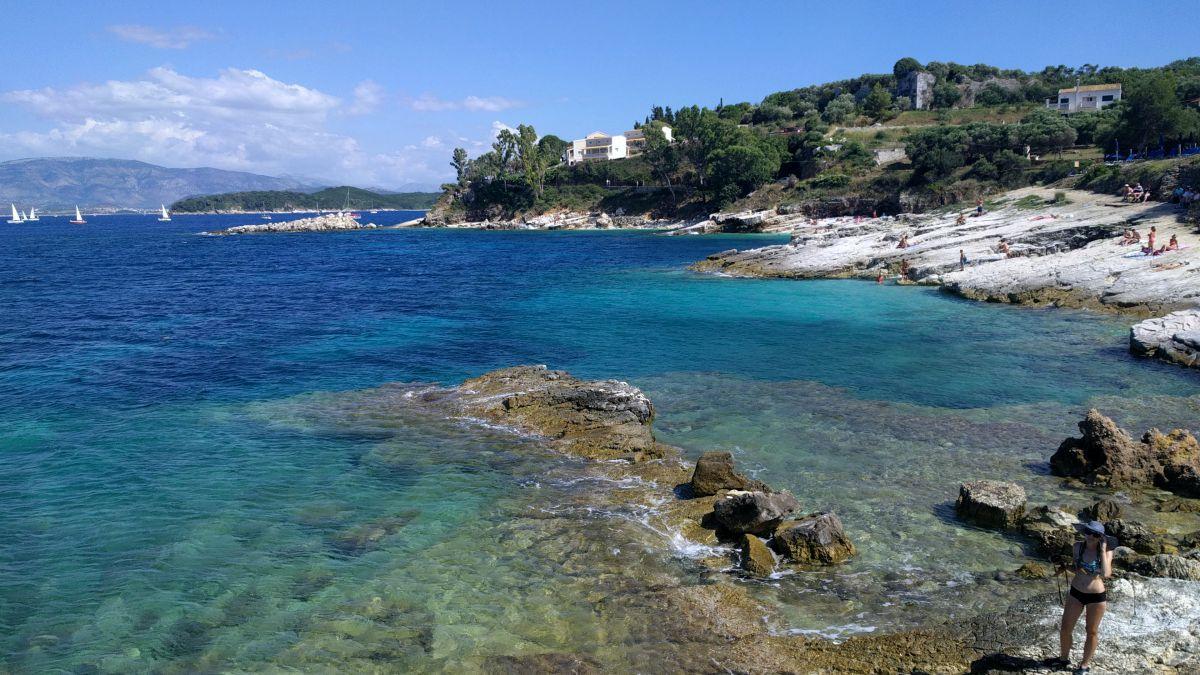 Co zobaczyć na Korfu? Najpiękniejsze miejsca Plaża Bataria w Kassiopi