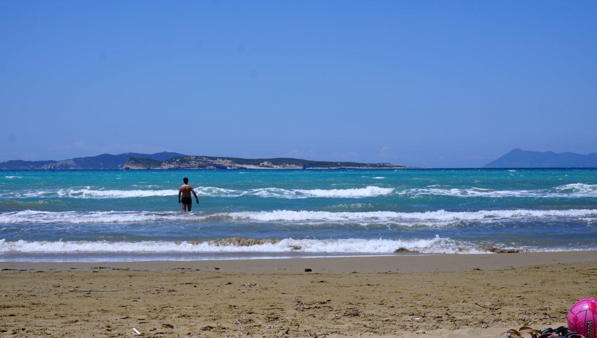 Co zobaczyć na Korfu? Najpiękniejsze miejsca plaża w Agios Stefanos