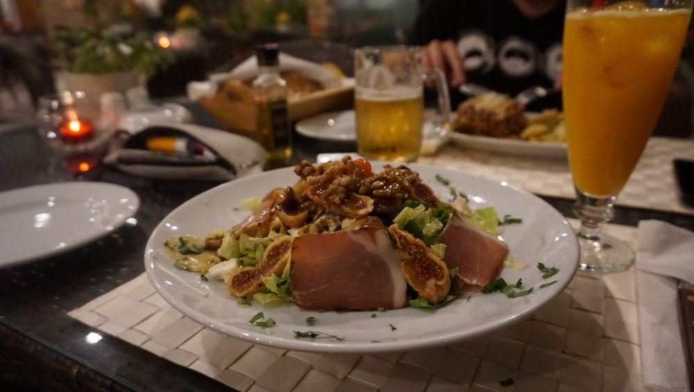 Korfu 2018 - jedzenie na Korfu kuchnia grecka Corfiot salad