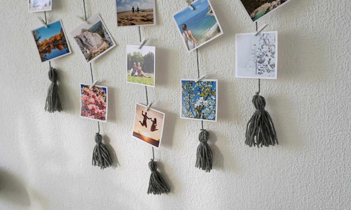 DIY Wieszak z frędzlami na zdjęcia w stylu Instagrama
