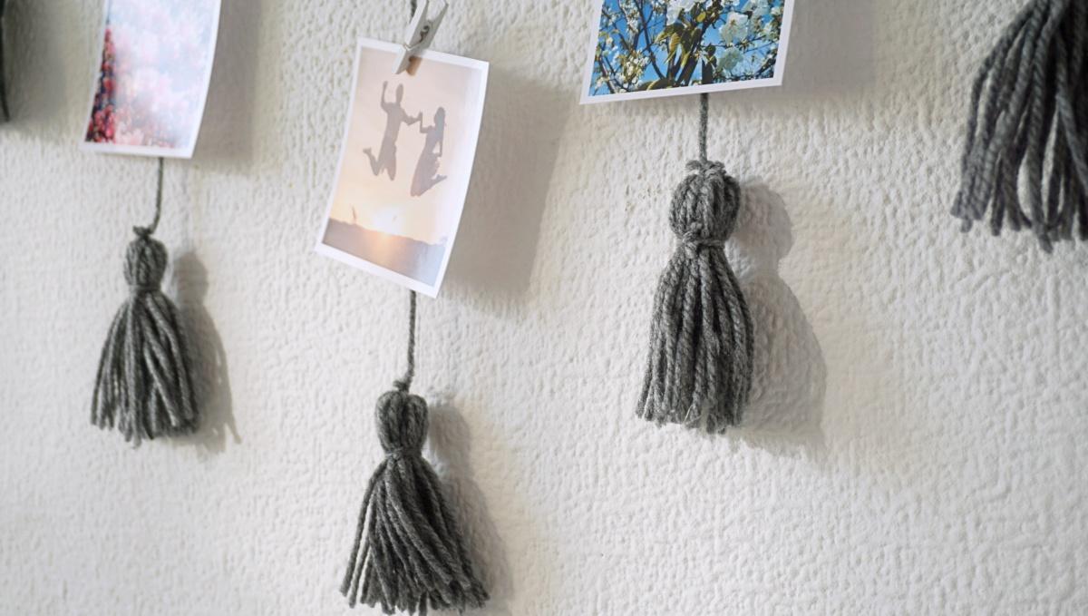 DIY Wieszak ramka na zdjęcia z frędzlami